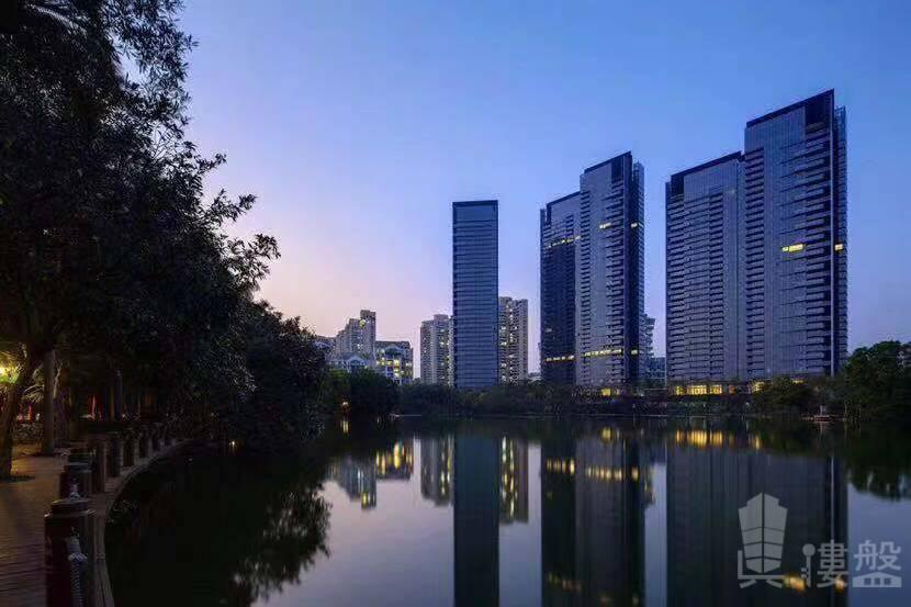 華僑城新天鵝堡